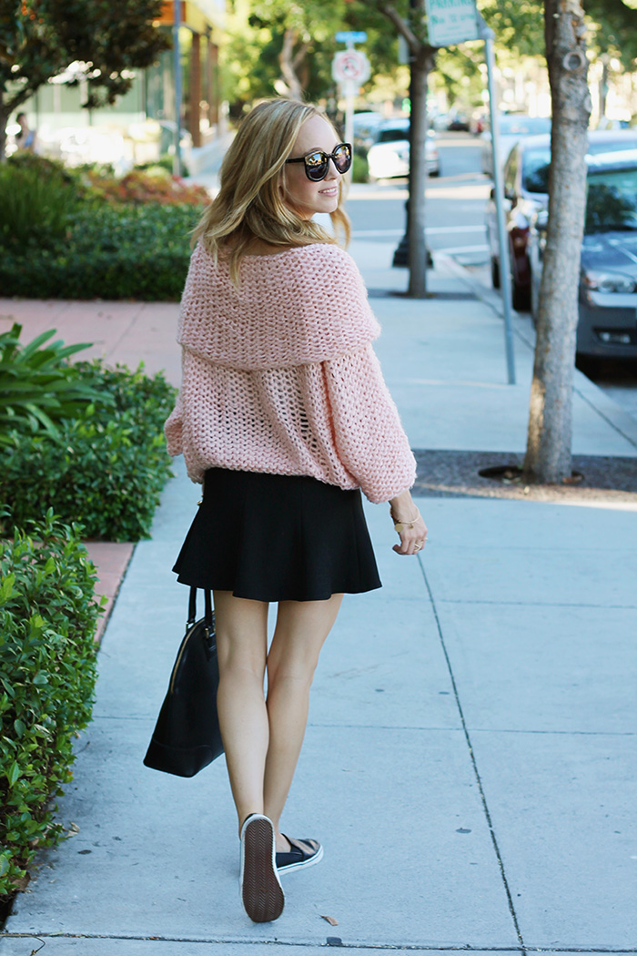 peach sweater, zara flippy skirt, perforated leather flats, black flats